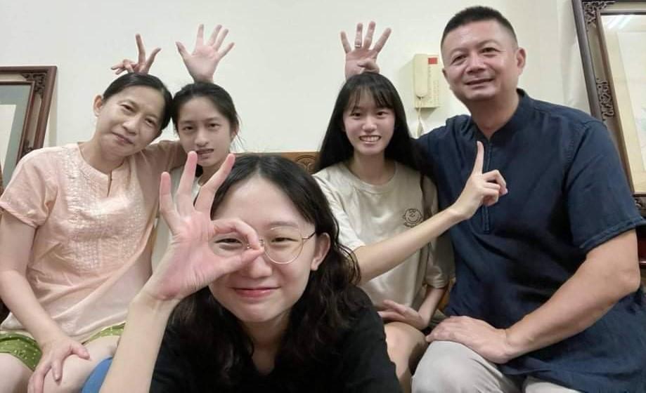 07/10/2021 新生入學季 貼心服務 溫馨情 呂氏三姊妹相聚文藻 樂當2030雙語國家政策先鋒
